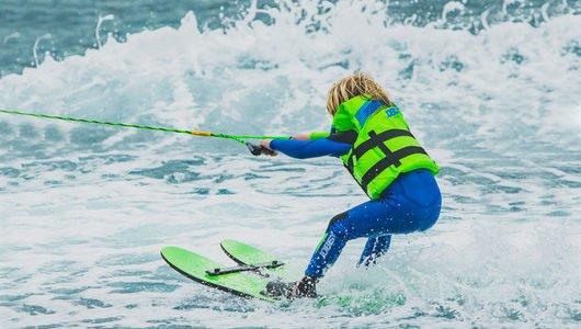 ski_nautique_enfant_ile_de_re